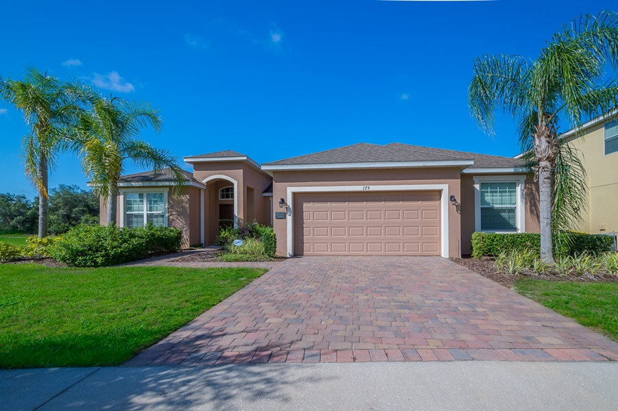 Orlando vacation home listing agent